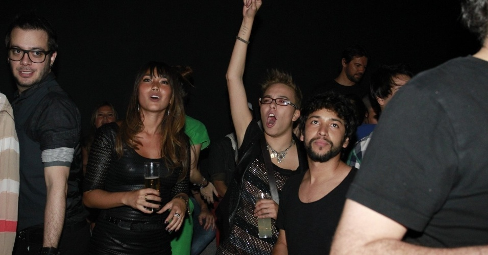 Max Porto, Daniele Suzuki e Maria Gadú durante a festa do 19º Prêmio Multishow (18/9/12)