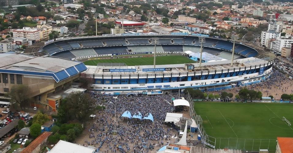 O estádio Olímpico ganhou 'abraço' dos torcedores no aniversário do Grêmio