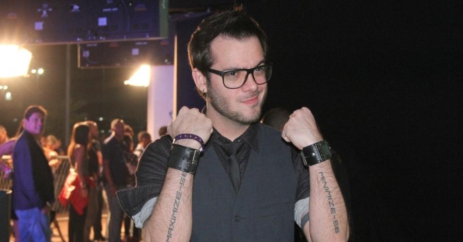 O ex-BBB Max Porto no 19º Prêmio Multishow (18/9/12)