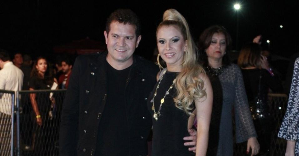 O guitarrista Chimbinha e a vocalista da banda Calypso, Joelma participam do Prêmio Multishow, em São Paulo (19/8/12)