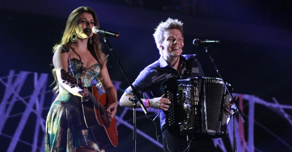 Paula Fernandes e Michel Teló se apresentam na 19ª edição do Prêmio Multishow, na Barra da Tijuca, Rio de Janeiro (18/9/12)