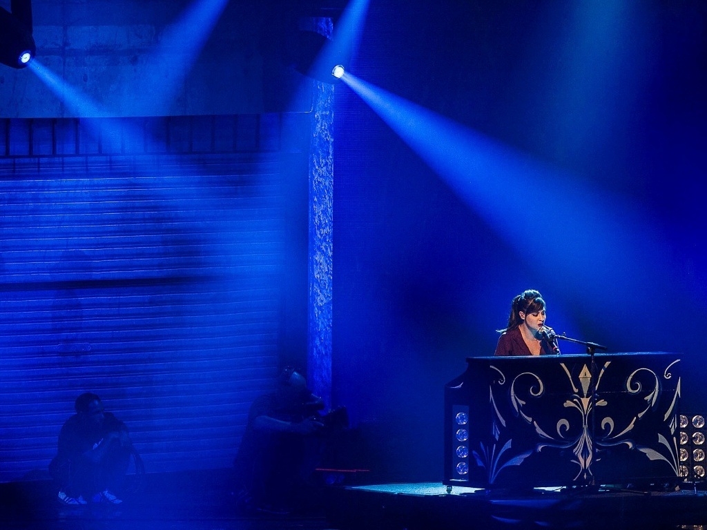 A dupla Agridoce, formada por Pitty e Martin, se apresenta no VMB 2012 com um conver da música