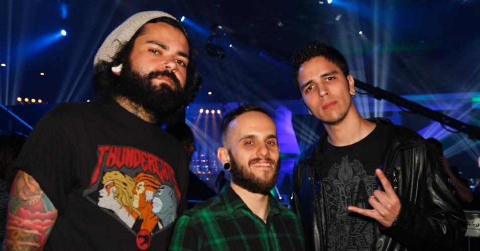 Banda Glória posa para fotos na entrada do VMB 2012 em São Paulo (20/9/12)