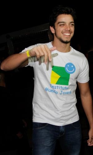 """O ator Rodrigo Simas no show especial do projeto """"Sertanejo do Bem"""" no Villa Mix, em São Paulo (19/9/12)"""