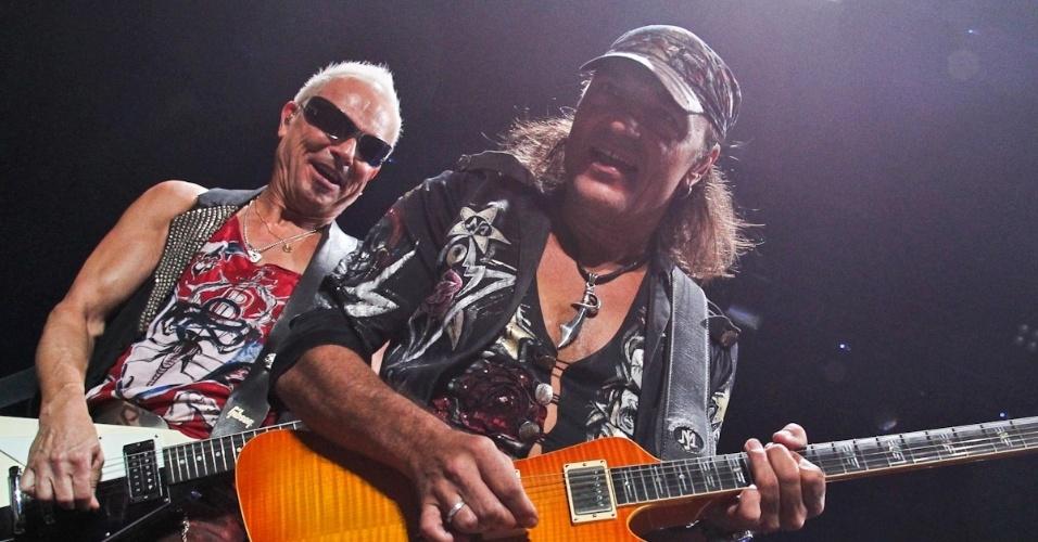 Rudolf Schenker e Matthias Jabs se apresentam no show do Scorpions em São Paulo (20/9/12)