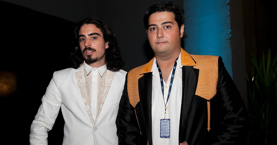 Pedro D'Eyrot e Rodrigo Gorky, do Bonde do Rolê, chegam ao VMB 2012 (20/9/12)