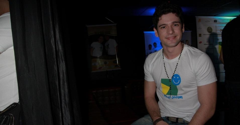 """Rodrigo Rios no show especial do projeto """"Sertanejo do Bem"""" no Villa Mix, em São Paulo (19/9/12)"""