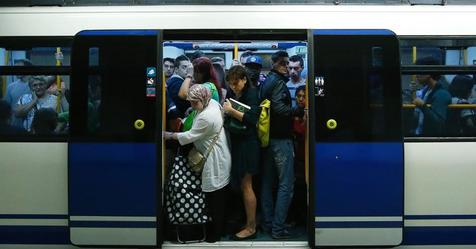 De Greve Metroviarios E Motoristas Onibus Em Madri Na Espanha