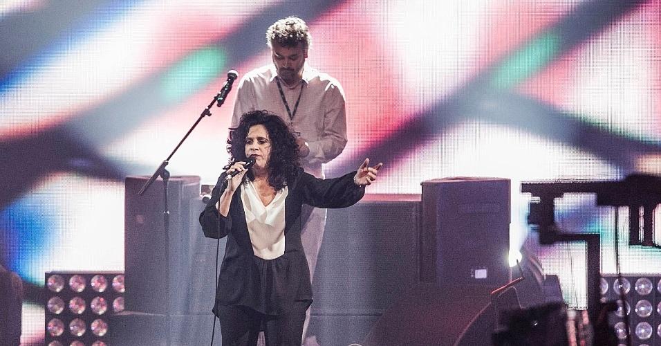 A cantora Gal Costa se apresenta no palco do VMB 2012 (20/9/12)