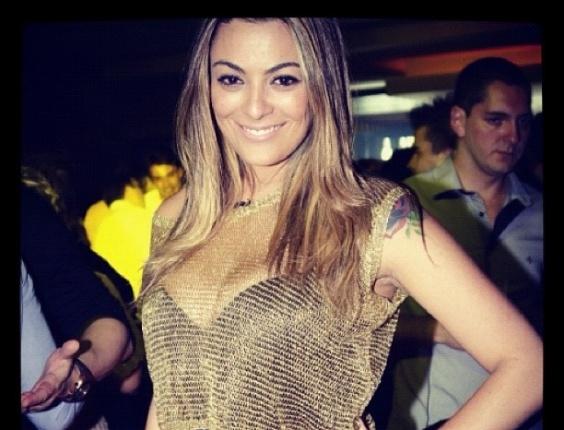 A ex-BBB Monique postou uma foto na rede social Instagram em que ela aparece vestindo uma roupa decotada (21/9/12) Participante da 12ª edição do reality show, Monique é cotada para voltar ao confinamento na próxima edição.