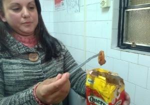 Agricultura do RS encontra camisinha dentro de caixa de molho de tomate