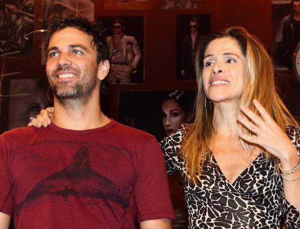 """Ingrid Guimarães e Marcelo Faria estreiam a peça """"Razões Para Ser Bonita"""" no Teatro Vivo, em São Paulo"""
