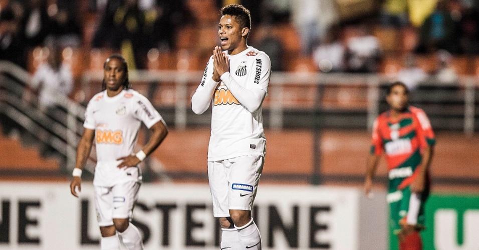 Andres, atacante do Santos, lamenta chance perdida em clássico contra a Portuguesa