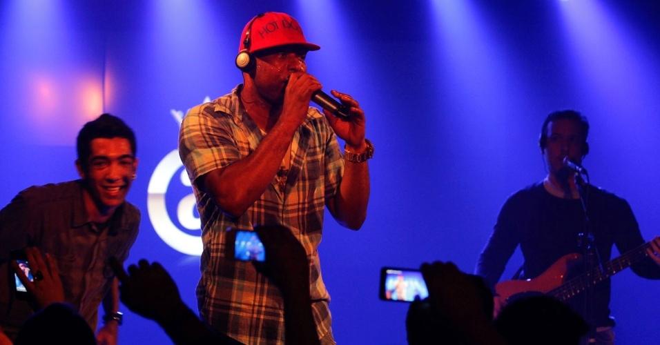 Cantor Buchecha se apresenta no Club A, em São Paulo (21/9/12)