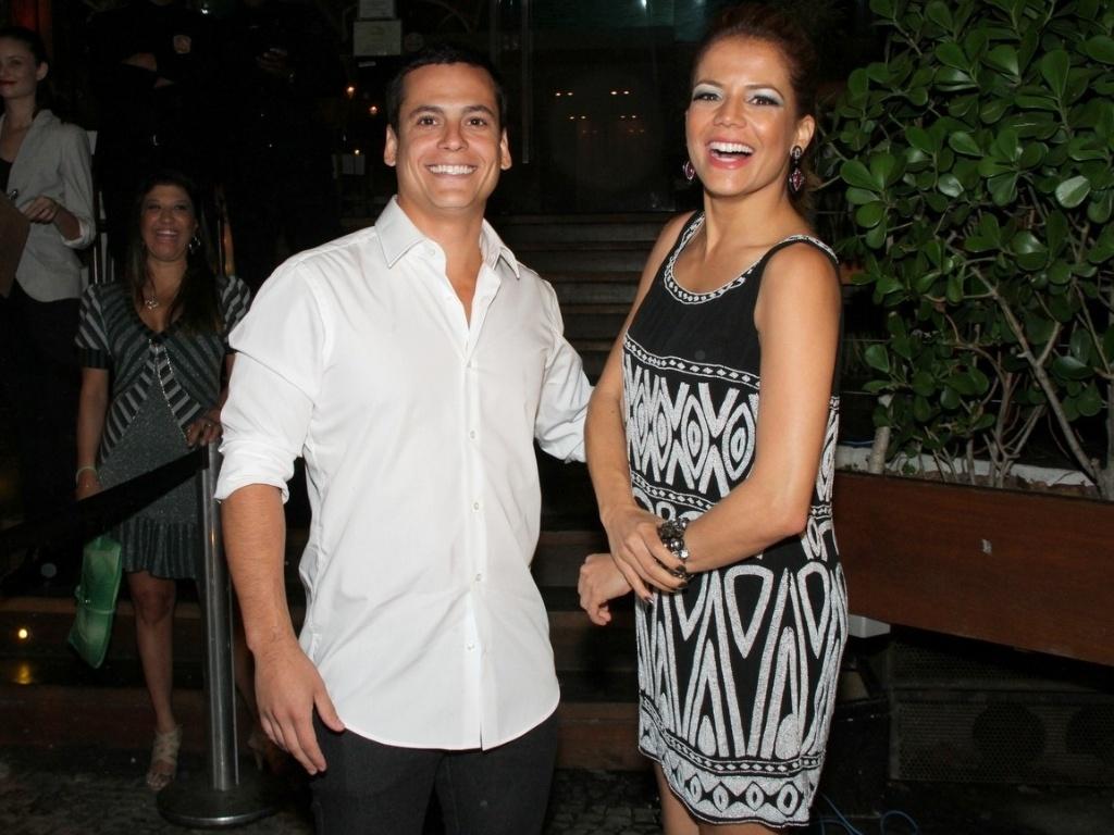 Leonardo Conrado, namorado da atriz Nívea Stelmann, comemora aniversário no Restaurante Zozô, na Urca, Rio de Janeiro (21/9/12)