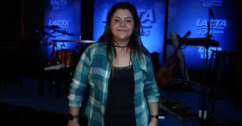 """A fã Julia Zitti foi a ganhadora da promoção """"Lacta 100 anos, Meu Ídolo, Meu Show"""" para ter um pocket show de Luan Santana, no Tom Jazz, SP(23/9/12)"""
