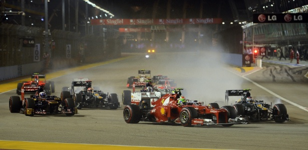 Massa em ação no GP de Cingapura; brasileiro teve problemas, mas chegou em oitavo