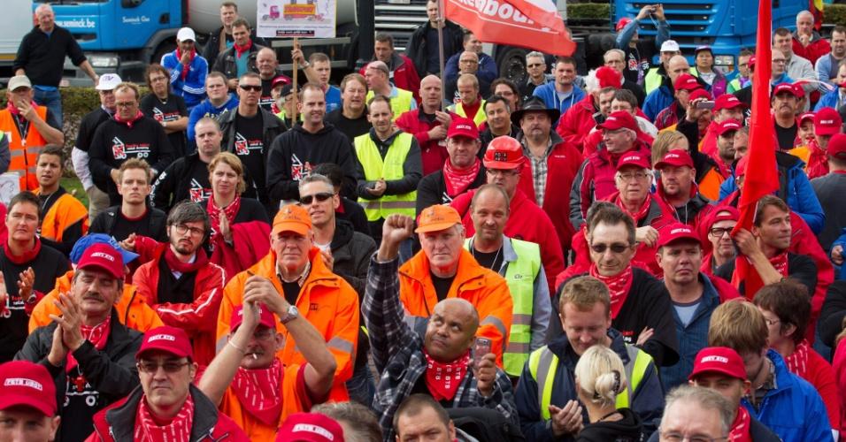 24.set.2012 - Caminhoneiros protestam em Bruxelas, na Bélgica