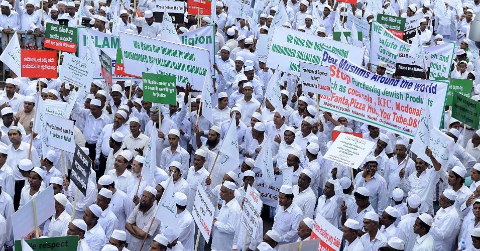 24.set.2012 - Muçulmanos participam de protesto contra filme anti-Islã em Colombo, no Sri Lanka