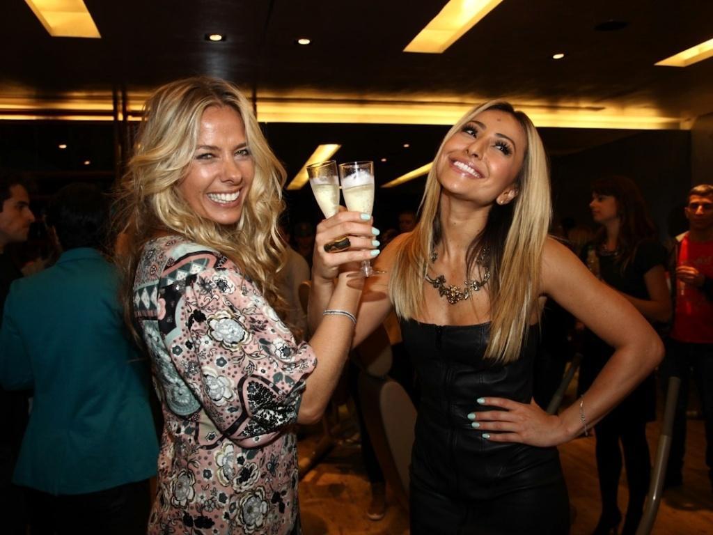 Adriane Galistei Brinda com Sabrina Sato durante o evento (24/9/12)