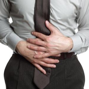 Alergias alimentares podem causar sintomas que vão desde dores abdominais, gases e diarreia até sintomas mais graves, como edema de glote
