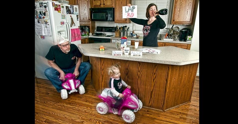 26.set.2012 - O projeto surgiu também como uma ideia de entreter a família e amigos com fotos engraçadas