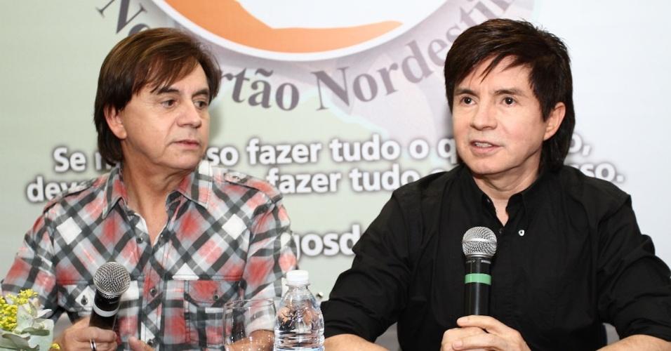 Chitãozinho & Xororó se apresentam em São Paulo para arrecadar fundos para os Centros de Transformação que visam atender 10 mil crianças e jovens do sertão nordestino (25/9/12)
