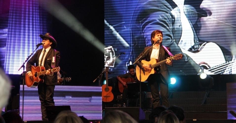 Chitãozinho & Xororó se apresentam no Credicard Hall, em São Paulo (25/9/12)