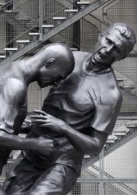 Em Paris: Cabeçada de Zidane em Materazzi ganha estátua