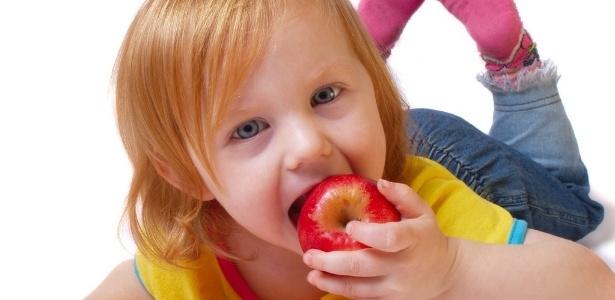 Fortalecer o sistema imunológico através da alimentação é uma atitude que começa desde pequeno