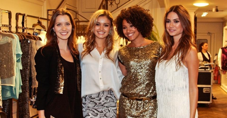 Nathalia Dill, Sophie Charlotte, Sheron Menezes e Thaila Ayala em lançamento da grife Bo.Bô nos Jardins, em São Paulo (25/9/12)