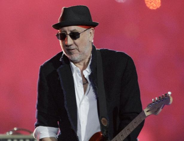 Guitarrista Pete Townshend em apresentação do The Who em Miami (7/2/10)