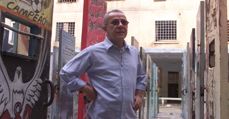 Em 2002, o artista plástico Siron Franco realizou uma montagem artística no pátio 2 do Carandiru com 111 portas de celas representando os detentos mortos em 1992 no massacre do Carandiru