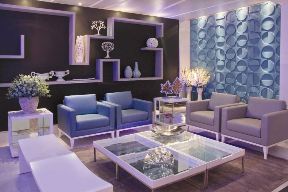 Os 55m² do Lounge foram projetados pelos arquitetos Ana Paula Costa, Felipe Reis, Flávia Sócrates e Marcelo Rosso. Destaque para o painel mosaico combinado a uma prateleira irregular e para a iluminação em LED. A Casa Cor Brasília fica aberta ao público de 29 de setembro a 06 de novembro de 2012