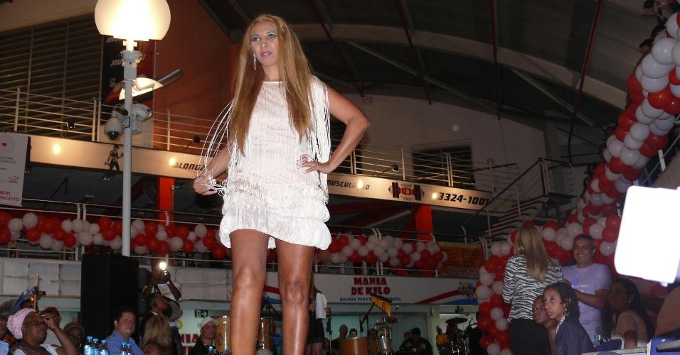 """30.set.2012 - Com o argumento de combater o preconceito contra a classe, Minas Gerais realiza primeira edição do """"Miss Prostituta"""""""