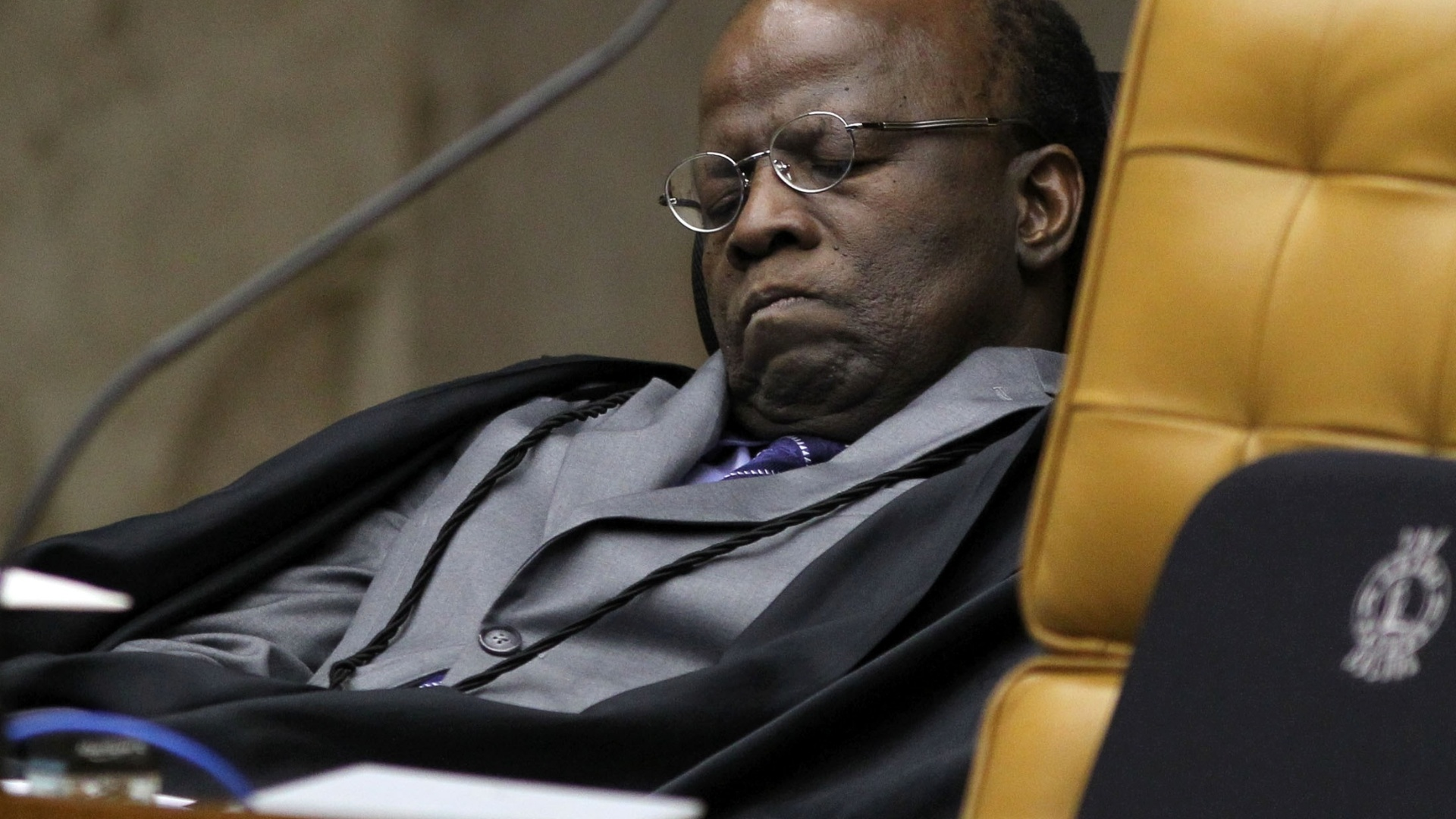 1.out.2012 - Ministro Joaquim Barbosa, do STF, acompanha sesso de julgamento do mensalo