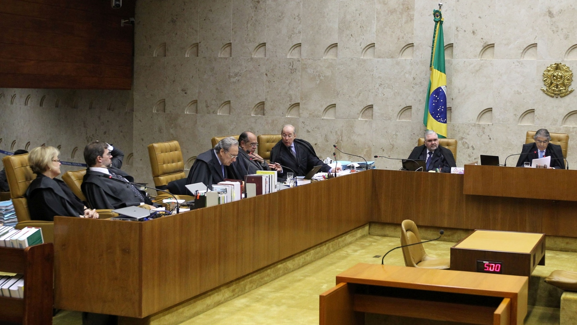 1.out.2012 - Ministros debatem em sesso do julgamento do mensalo