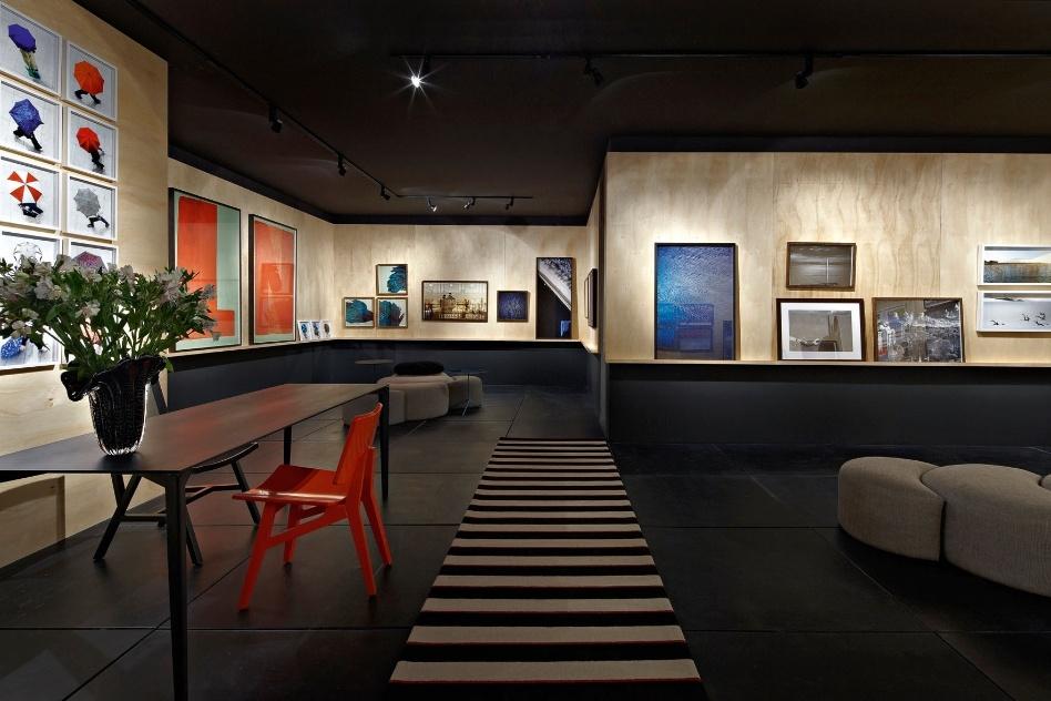 A arquiteta Bernadette Corrêa idealizou a Galeria com focos de luz - La Lampe - direcionados exclusivamente para as obras. A Casa Cor MG fica em cartaz até 16 de outubro de 2012, em Belo Horizonte