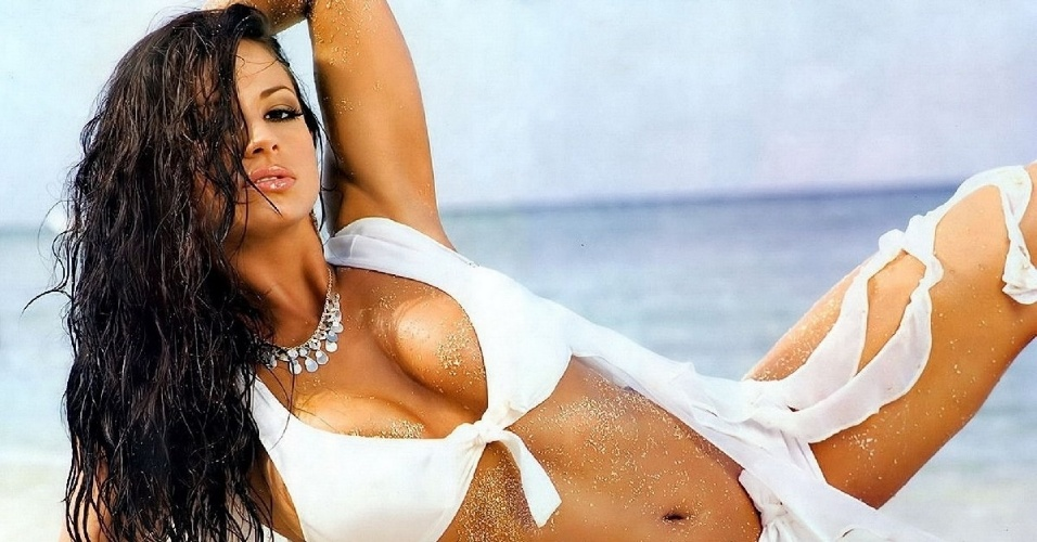 Por conta do passado como atriz, Candice Michelle virou sensao no mundo das lutas