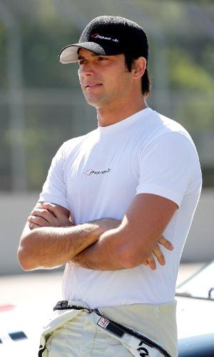 Nelsinho Piquet aguarda início de treino de etapa da Nascar (23/06/2012)