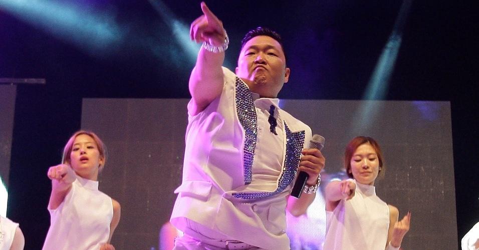 """Reconhecido mundialmente pelo sucesso do clipe da música """"Gangnam Style"""", o astro do K-Pop Psy faz show em seu país natal, a Coreia do Sul (25/9/10)"""