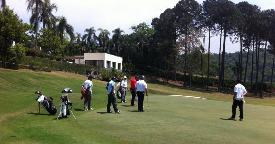 Ronaldo se reúne com seu quarteto de competição no campo do São Fernando Golf Club