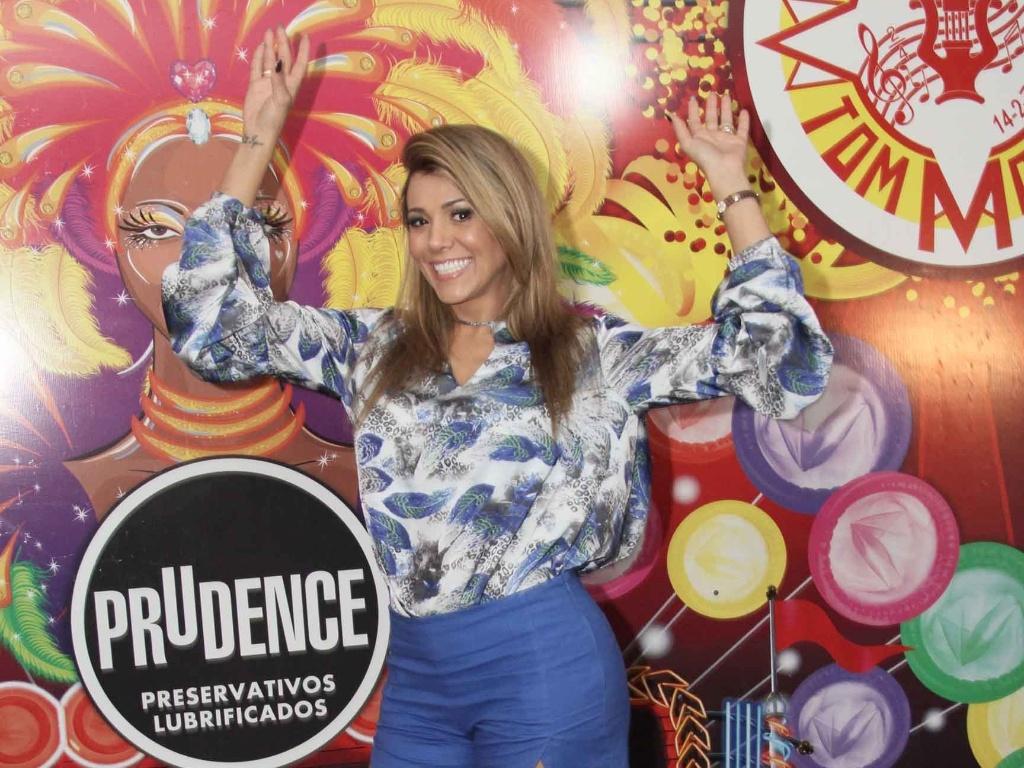 Fabiana Teixeira é confirmada como destaque da Tom Maior no Carnaval 2013 (3/10/12)