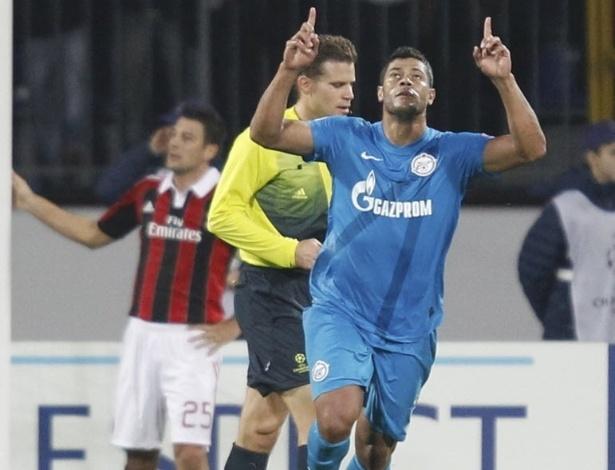 Hulk, atacante da seleção brasileira, comemora primeiro gol do Zenit na partida contra o Milan pela Liga dos Campeões