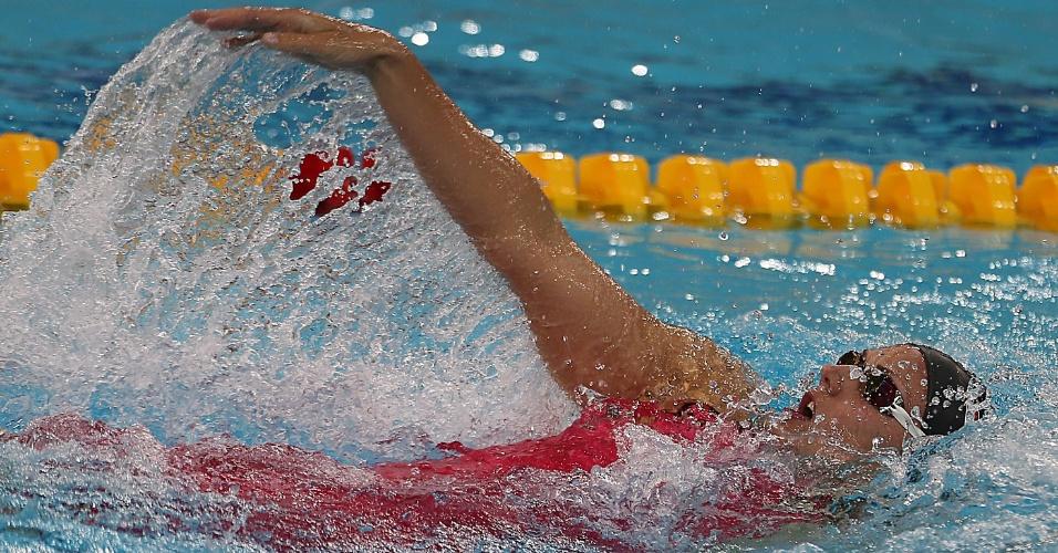 Húngara Katinka Hosszu nada costas durante os 400m medley na Copa do Mundo de Dubai