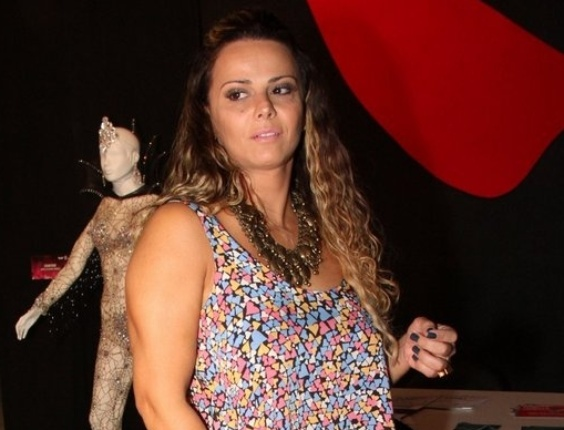 Viviane Araújo, dentro do armazém na zona portuária do Rio onde acontece o Festival do Rio (3/10/12)