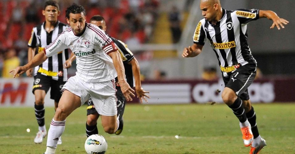 Fred escapa de marcação durante clássico com o Botafogo no Engenhão