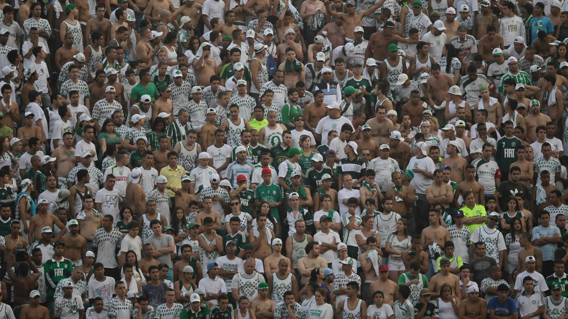 Torcida do Palmeiras lamenta derrota para o So Paulo no Morumbi