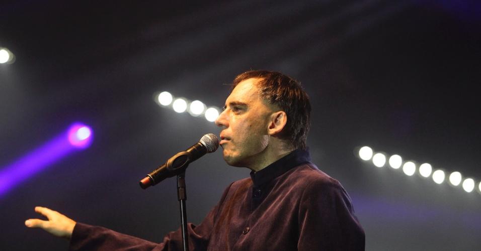 Arnaldo Antunes em show do Titãs em São Paulo. (6/10/2012)