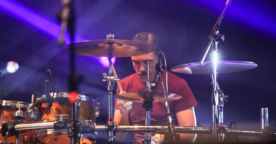 Charles Gavin volta para bateria do Titãs em show que comemora os 30 anos da banda. (6/10/2012)